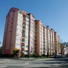 10-этажные монолитные жилые дома по ул. Поповича 96 и пр. Победы 61-В